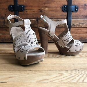 Laser cut platform chunky heel sandal - 5.5/6